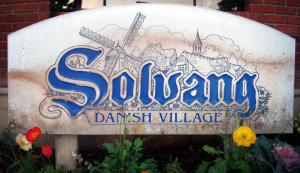 Solvang sign
