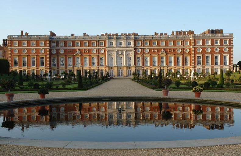 Hampton Court - Baroque style