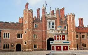 Hampton Court - Base Courtyard