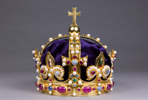 Hampton Court - King Henry VIII crown recreation
