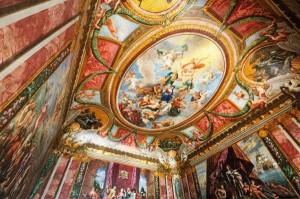 Hampton Court - Queen's Drawing Room ceiling