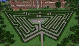 Hampton Court - the Maze