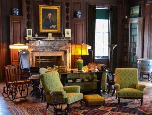 Springwood - Living Room Library 1