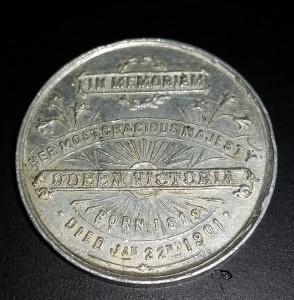 Queen Victoria - memorial medal back
