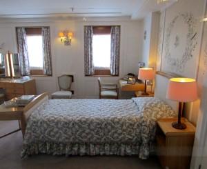 Britannia Royal Yacht - Queen bedroom