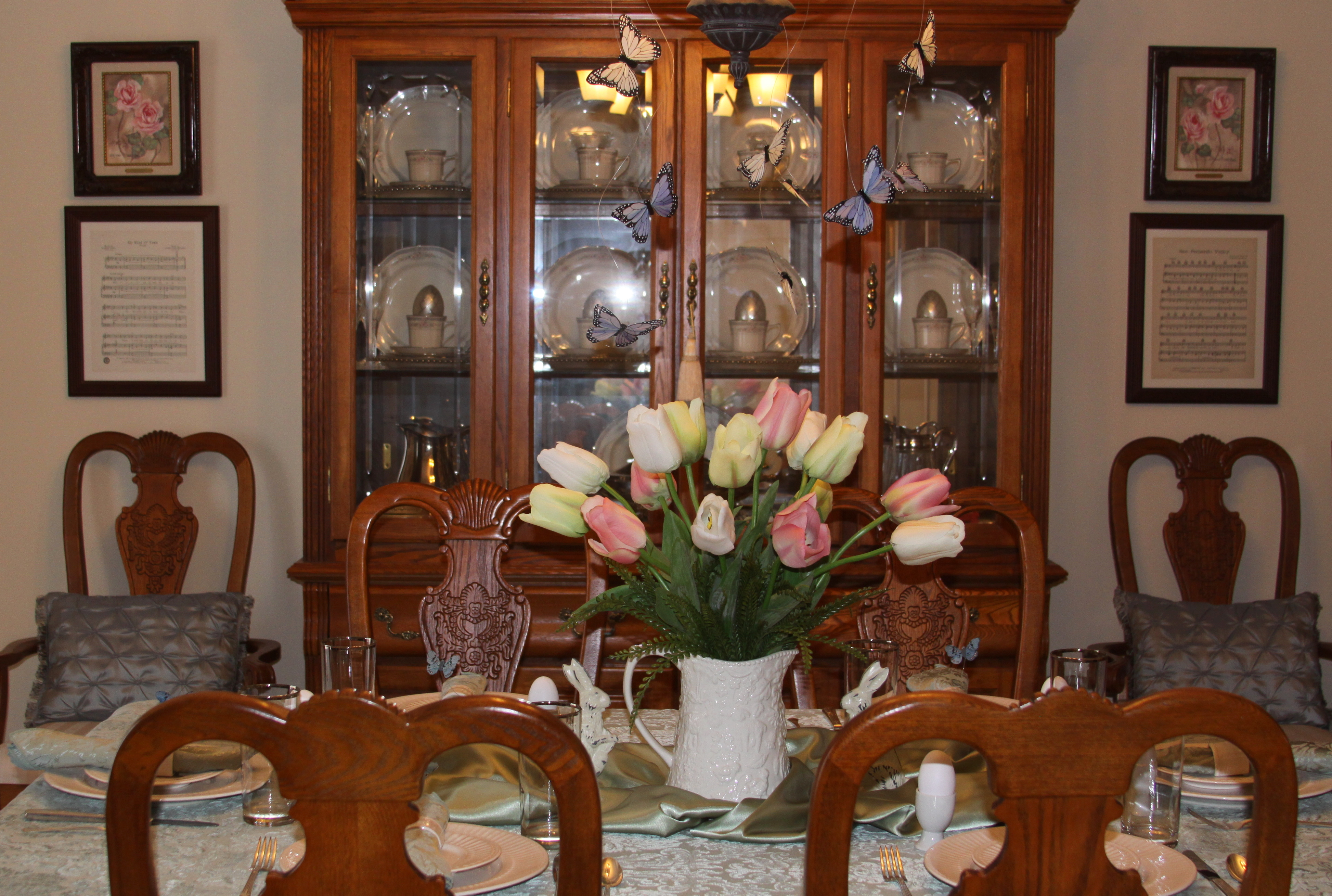 Easter Table decorations | The Enchanted Manor