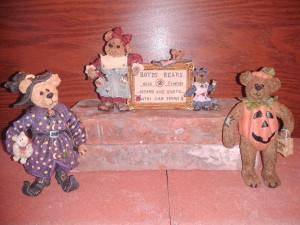 2012 Halloween Boyds figurines