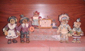 2012 Thanksgiving Boyds figurines