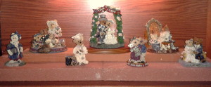 2013 Boyds Bears bookcase - second shelf