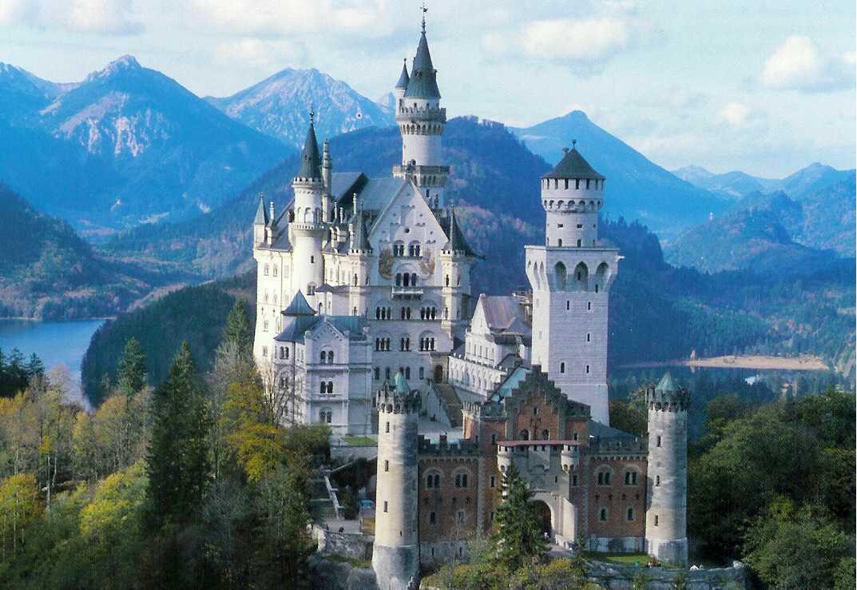 Préférence Travel – Neuschwanstein Castle | The Enchanted Manor OZ75