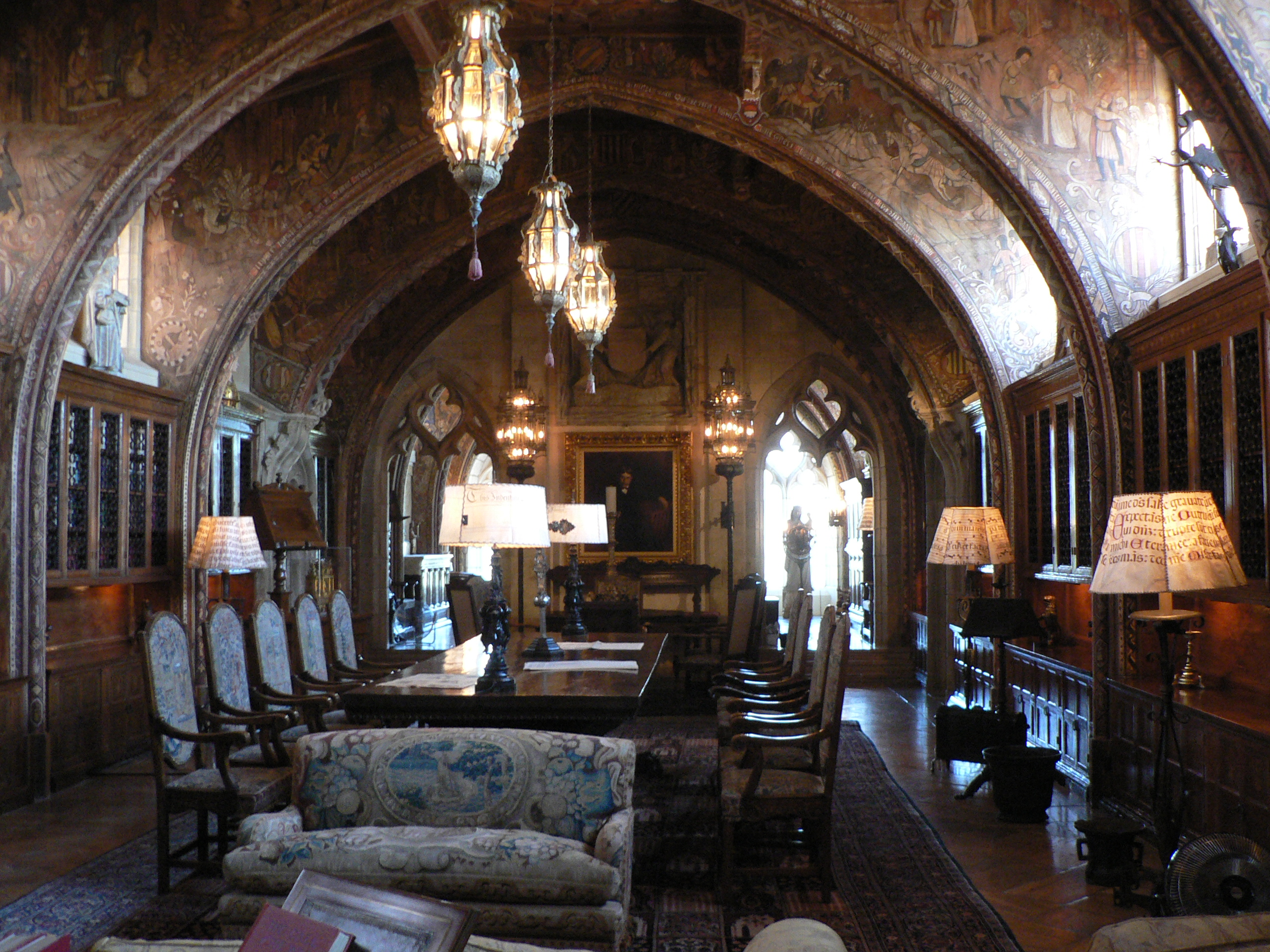Travel hearst castle in san simeon ca the enchanted manor for Mountain house library