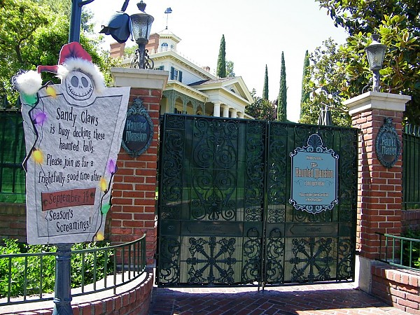haunted mansion holiday 1 - Haunted Mansion Nightmare Before Christmas