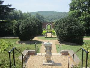 Dupont Garden entrance 1