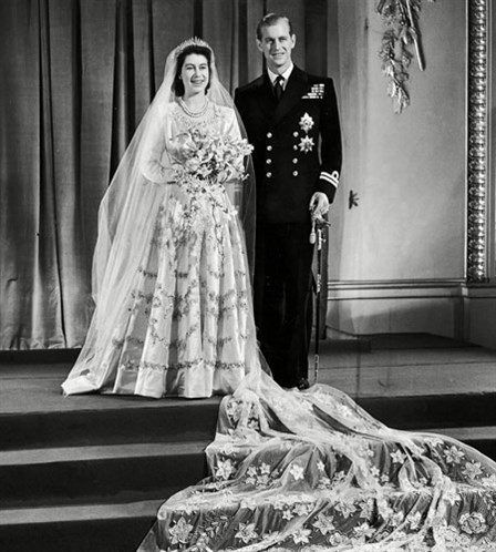 Queen elizabeth wedding dress white lace