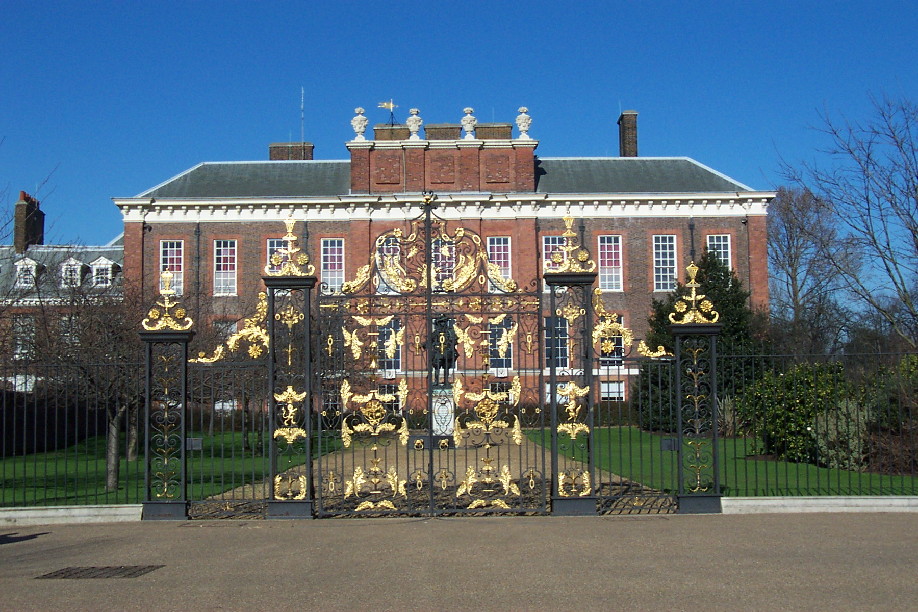 Who Lived In Kensington Palace The Enchanted Manor