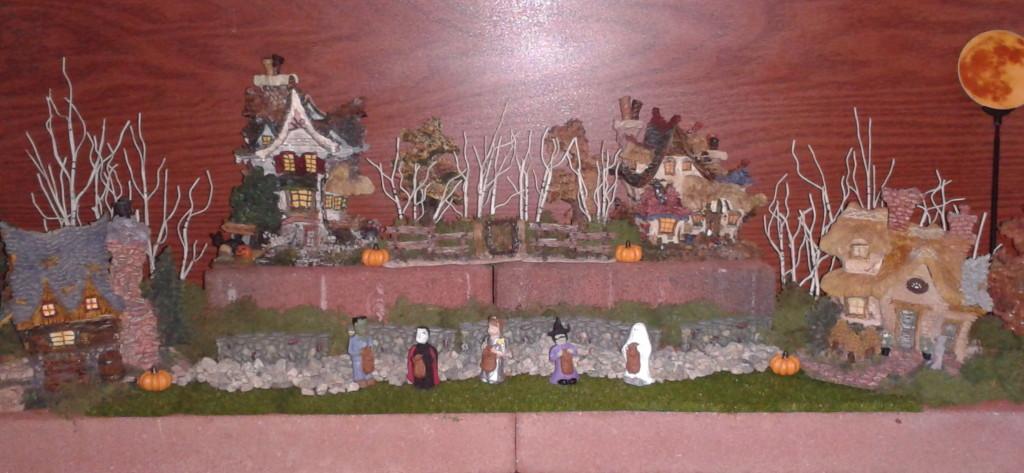 2012 Halloween Boyd's Bear Village