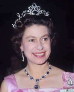 King George VI Victorian necklace and earrings - Queen Elizabeth