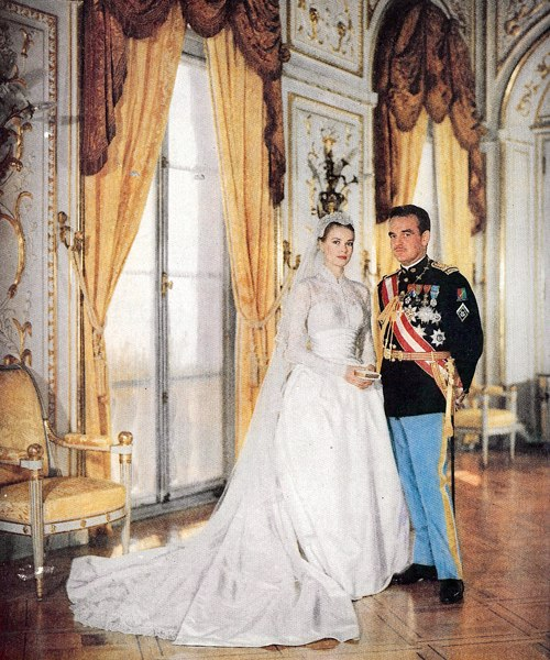 Manor Royal Wedding Dress : Grace kelly s wedding bouquet the enchanted manor