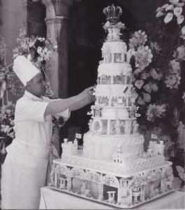 Wedding of Prince Rainer and Grace Kelly - wedding cake 1