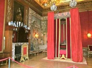 Hampton Court - King's Great Bedchamber