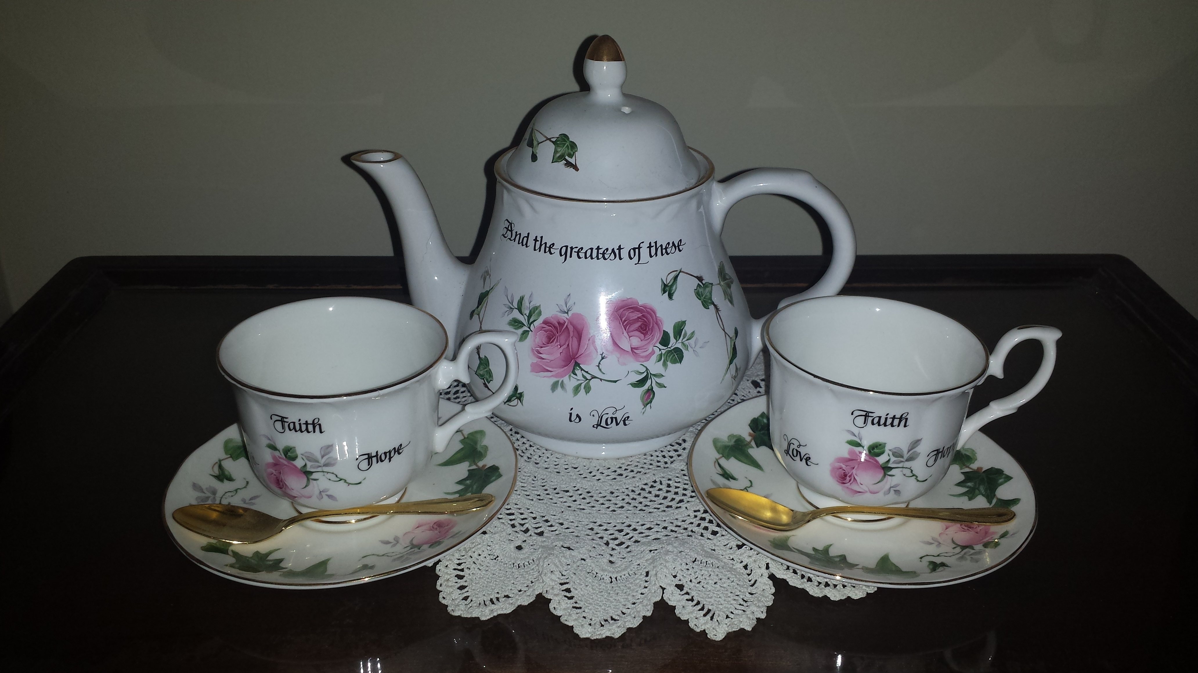 How to decorate a tea table   The Enchanted Manor