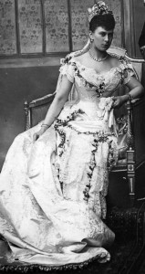 Mary of Teck wedding dress 1