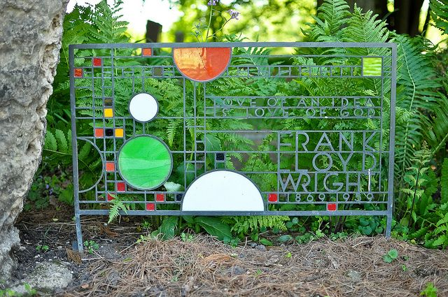 Frank Lloyd Wright Gravesite In Spring Green Wisconsin 3