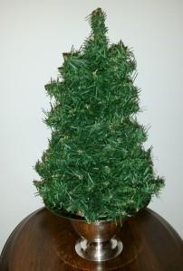 Jeweled Tabletop Christmas Tree 1