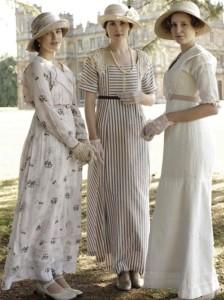 female - day clothing 1910s