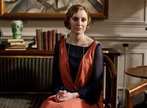 season 4 - Edith work clothes 1