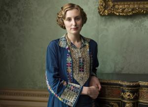 season 4 - Edith work clothes brocade dress