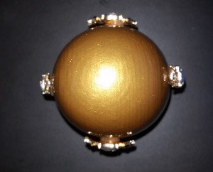 Gold Egg - jewlery poistion