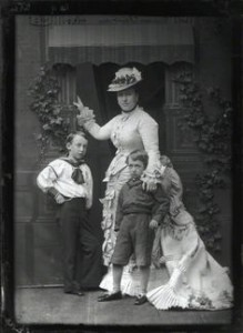 Princess Helene with children