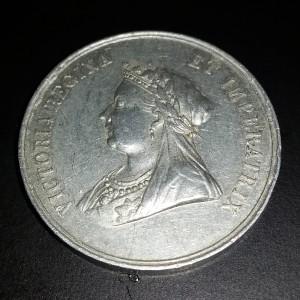 Queen Victoria - memorial medal front
