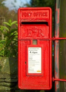 Queen Elizabeth II royal monogram on mailbox 1