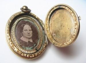 Victorian locket 1
